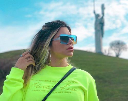 «Я скучаю по путешествиям»: жена игрока Шахтера выложила пикантное фото