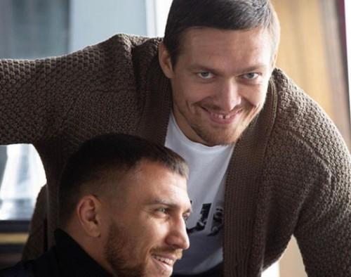 ФОТО. Все в сборе. Ломаченко с отцом и Усиком отдыхают на море