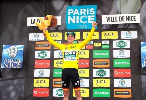 Велогонка Париж - Ницца была досрочно остановлена из-за коронавируса