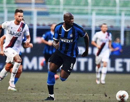 Интер – Болонья – 1:2. Видео голов и обзор матча