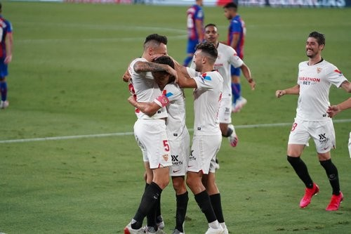 Севилья — Эйбар — 1:0. Видео гола и обзор матча