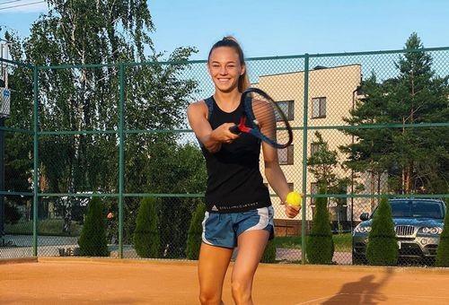 ВИДЕО. Дарья Билодид сыграла в теннис