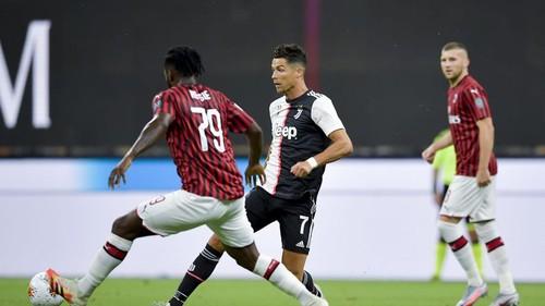 Ювентус впервые за 7 лет пропустил четыре гола в чемпионате Италии