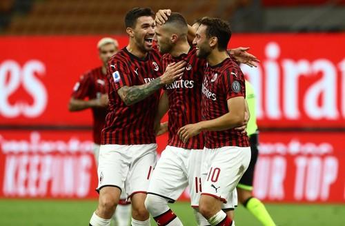 Милан впервые за 31 год забил четыре гола Ювентусу в матче Серии А