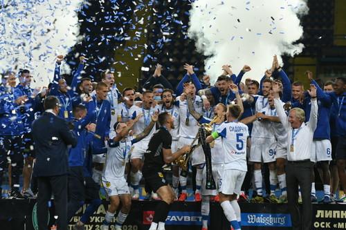 ВИДЕО. Церемония награждения. Как Динамо праздновало 12-й трофей в Кубке