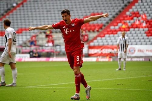 Левандовски признан лучшим игроком сезона Бундеслиги