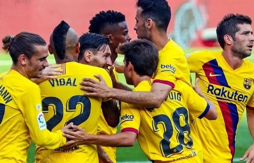 Барселона обыграла Вальядолид благодаря голу Видаля