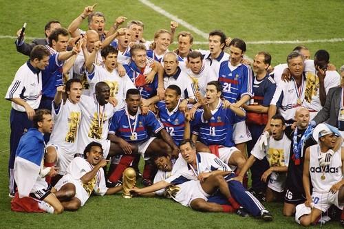 ВИДЕО. 22 года назад Франция впервые выиграла чемпионат мира