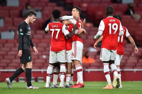 Арсенал нанес поражение Ливерпулю и сохранил шансы на Лигу Европы
