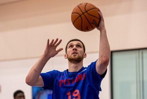 Святослав МИХАЙЛЮК: «Проводим время дома и ждем решения НБА»