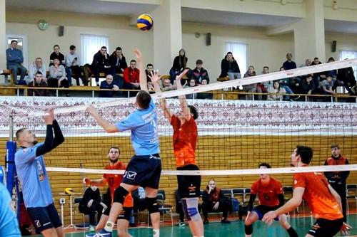 Чемпионат Украины по волейболу приостановлен до 3 апреля