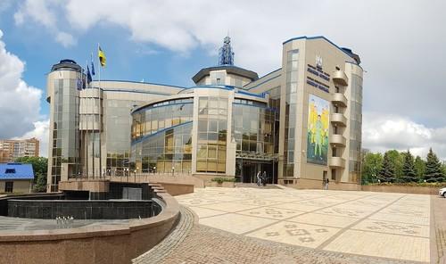 ОФИЦИАЛЬНО. Все футбольные соревнования в Украине приостановлены