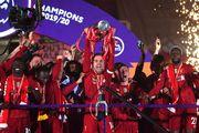 ФОТО. Как Ливерпуль получал трофей Английской Премьер-лиги