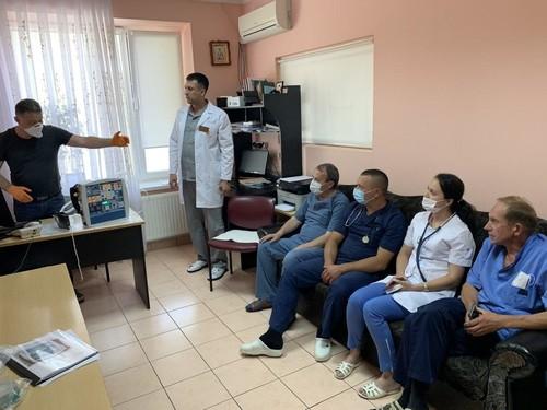 Лікарні трьох областей отримали від Parimatch Foundation апарати ШВЛ