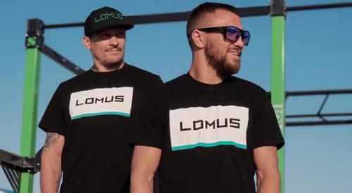 Чому Усик і Ломаченко вже рік без боїв. Коли чекати на їх повернення?