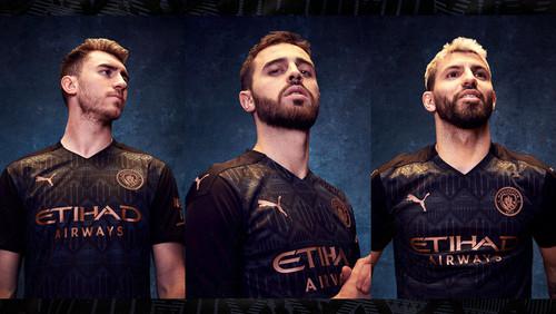 ФОТО. Зинченко презентовал новую выездную форму Манчестер Сити