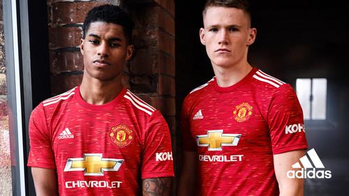 ФОТО. Манчестер Юнайтед презентовал новую домашнюю форму