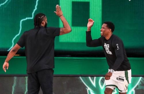 Милуоки Бакс досрочно выиграли Восточную конференцию НБА