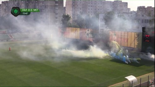 Харьковские фанаты устроили беспорядки на матче против Оболони-Бровар