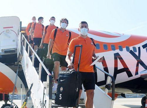 ФОТО. Шахтар прибув до Німеччини на матч з Базелем