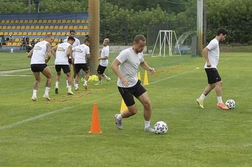 Олімпік і Десна 14 серпня проведуть контрольний матч