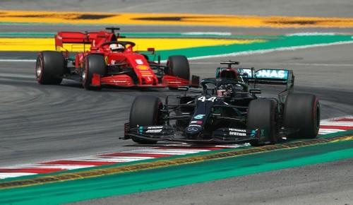Пятница на Гран-при Испании. Мерседес лидирует, Ред Булл и Рено рядом