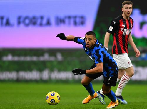 Златан забил, Златан подвел. Интер в большинстве дожал Милан в Кубке