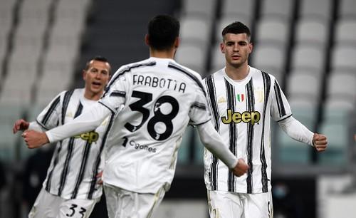 Ювентус без Роналду разгромил СПАЛ и вышел в полуфинал Кубка Италии