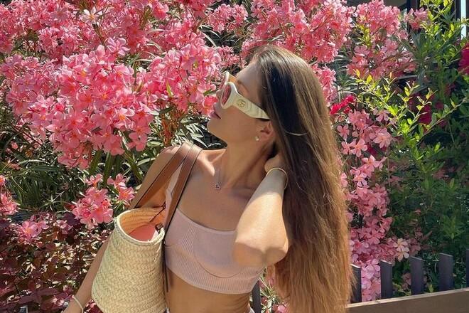 ФОТО. Красавица жена Реброва отдыхает на турецком пляже