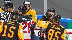 ЧМ по хоккею. Германия обыграла Латвию и вытащила Канаду в 1/4 финала