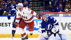 НХЛ. Победы в овертаймах: Бостон обыграл Айлендерс, Каролина сильнее Тампы