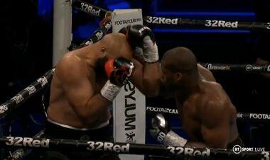 Британец Дюбуа нокаутом выиграл временный титул WBA в супертяжелом весе