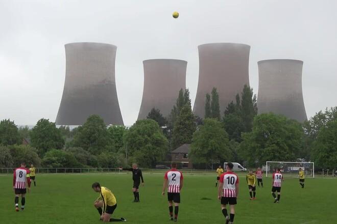 ВИДЕО. Шок в Англии. Во время футбольного матча взорвана электростанция