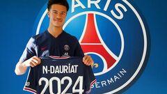 ПСЖ підписав професійний контракт із 18-річним французьким форвардом