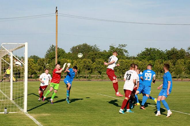 Перед заключительным матчем сезона в Никополе осталось 13 футболистов