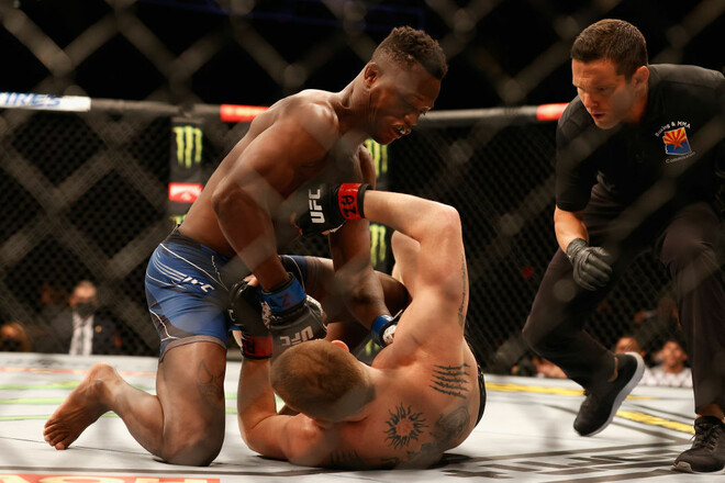 ВИДЕО. 7-секундный бой. Быстрый нокаут на UFC 263