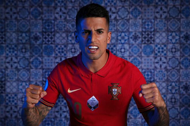 Канселу заразился коронавирусом и не сыграет за Португалию на Евро-2020