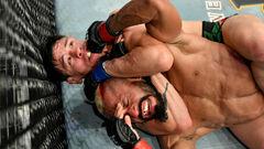 Фигейреду сдался! Морено — новый чемпион UFC в наилегчайшем весе