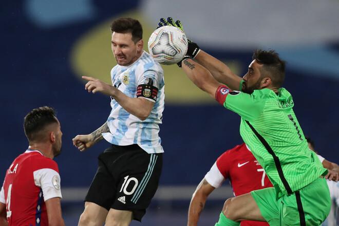 Гола Месси недостаточно: Аргентина сыграла вничью с Чили на Кубке Америки