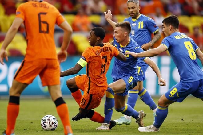 МИХАЙЛЕНКО: «Приємно здивував видовищний футбол у виконанні України»