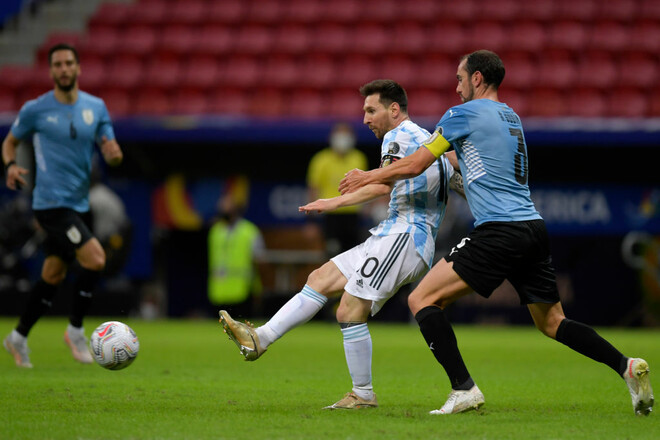Ассист Месси. Аргентина минимально переиграла Уругвай на Кубке Америки