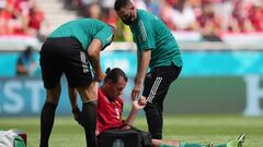 ФОТО. Капітанові збірної Угорщини стало погано під час матчу з Францією