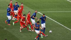 ВИДЕО. Будущий соперник Украины? Италия забила Уэльсу и выигрывает группу A