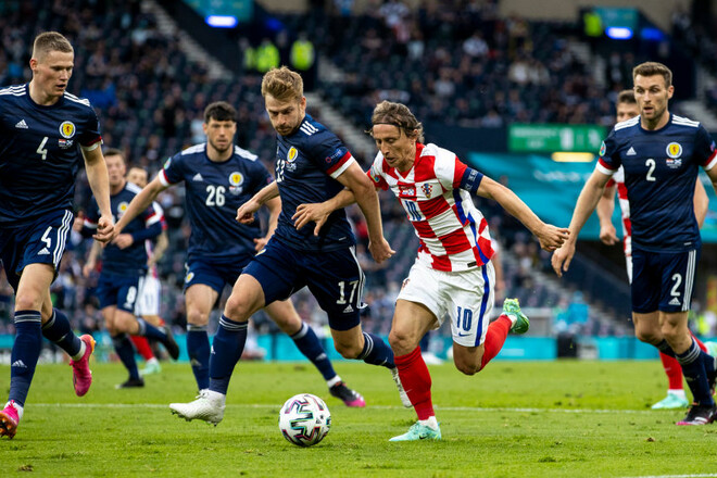 Лука Модрич забил на третьем Евро