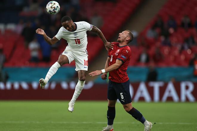 Англия и Италия не пропустили ни одного мяча в группе