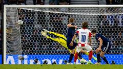 ВІДЕО. Модрич забив у дев'ятку! Хорватія знову попереду в грі з Шотландією