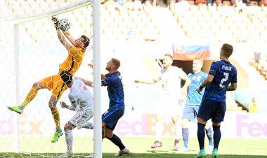 ВІДЕО. Воротар Словаччини забив у свої ворота! Дуже курйозний гол Іспанії