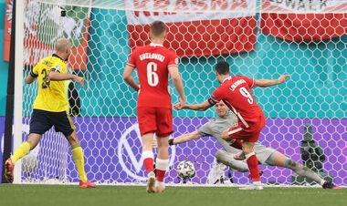 ВИДЕО. Дубль Левандовски. Польша отыграла два мяча у Швеции