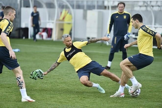 ФОТО. С мыслями о Швеции и Глазго. Тренировка сборной Украины в Бухаресте