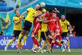 Сине-желтая солидарность! Швеция победила в непростой игре Польшу